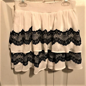 CANDIE'S Small White Black Lace Tiered Skirt